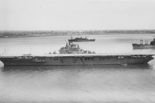 USS_Kearsarge_CV-33_1946